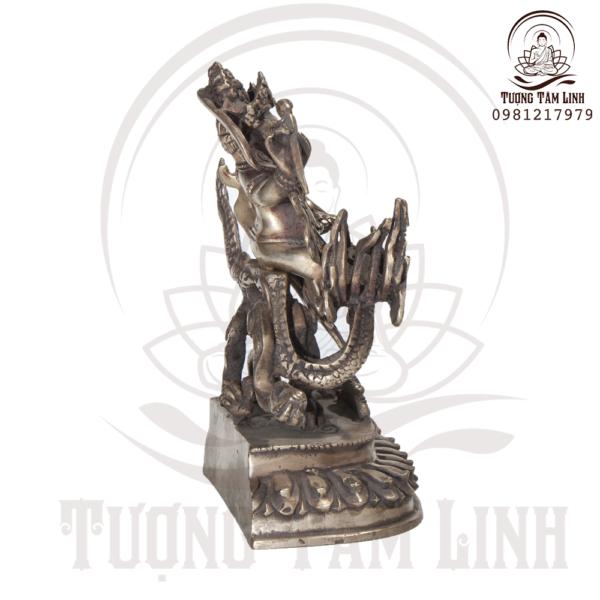 Tuong Dong Ngai Bach Than Tai chup trai